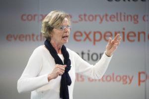 Marianne Smits geeft de training Verkoop jezelf en je secretariaat