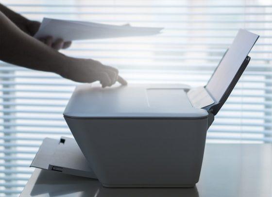 Word jij directiemedewerker of blijf je een onderbetaalde printjesbrenger?