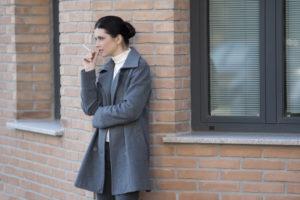 """Kun je wat zeggen van roken op plekken waar het wel mag? """"Het is nooit goed genoeg voor de niet-roker"""""""